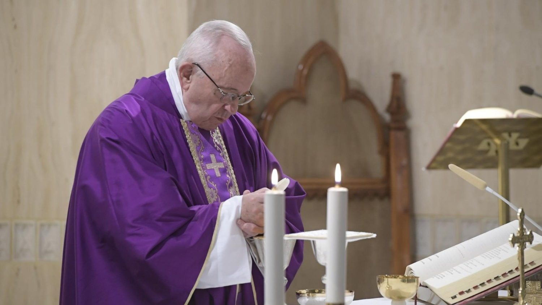 Папа призвал готовиться к Рождеству с верой