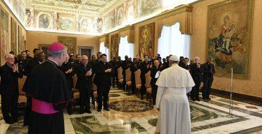 Папа встретился со студентами Коллегии Общества Иисусова