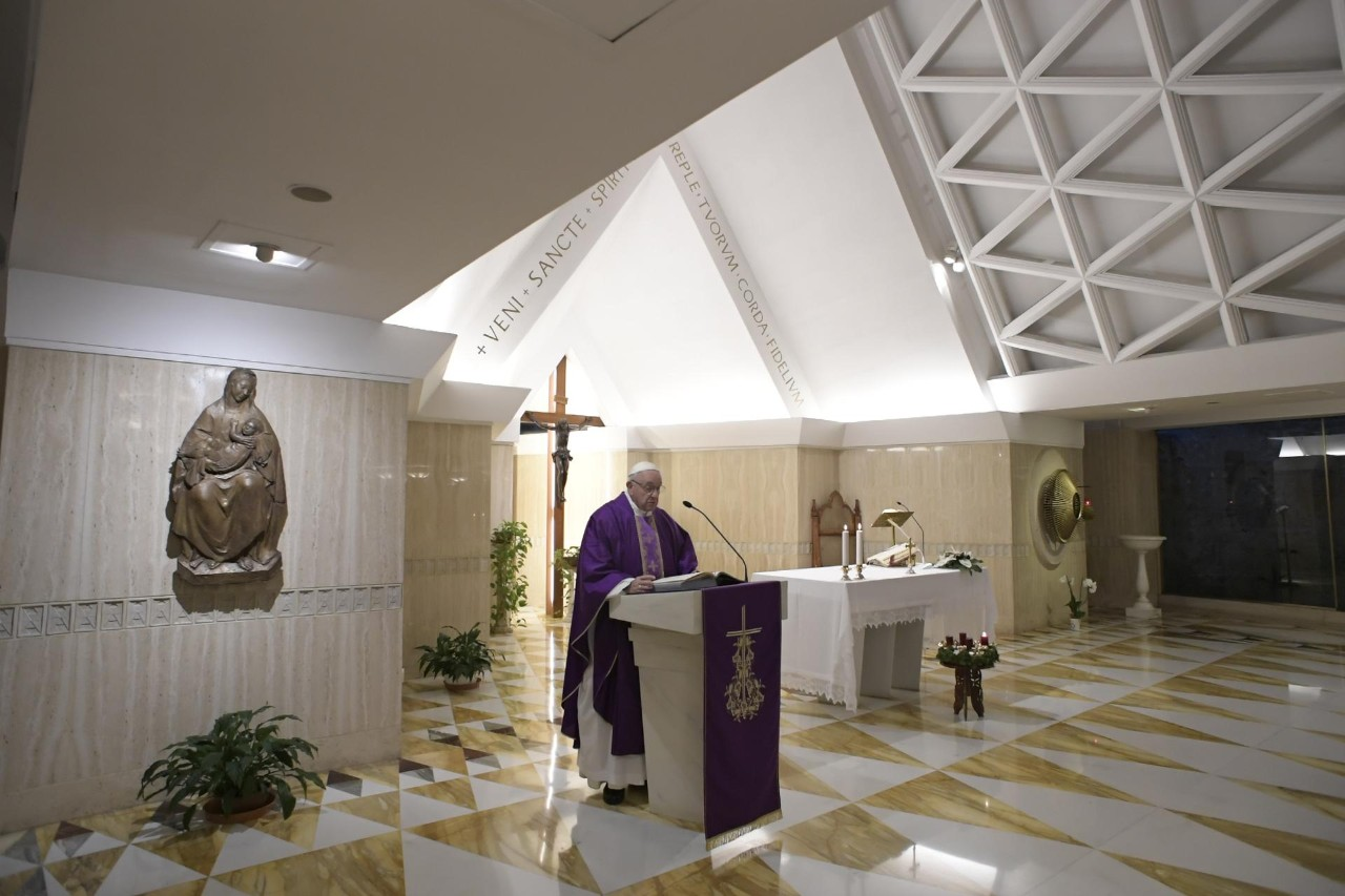 Папа: искать мира в душе, в семье, в мире, никого не осуждая