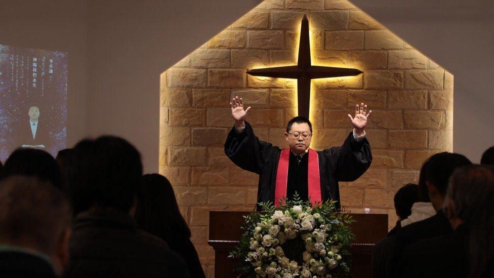Власти Китая провели обыски и аресты в христианских церквях незадолго до Рождества