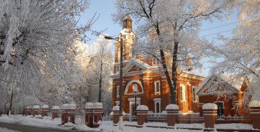 Кировский католический приход через суд потребовал передать ему в собственность весь Александровский костел — СМИ