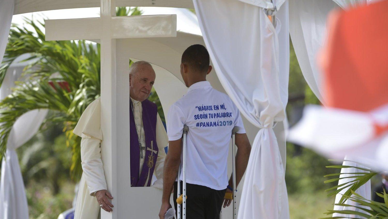 Папа совершил Покаянную литургию в колонии для малолетних (ФОТО + ВИДЕО)