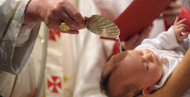 Папа призвал верующих помнить о дате своего крещения