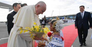 Святейший Отец Франциск прибыл в Панаму (ФОТО + ВИДЕО)