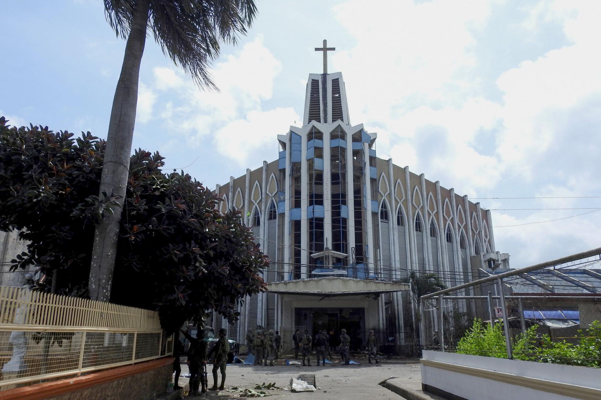 Теракт в католическом соборе. Папа: Господь да обратит сердца творящих зло
