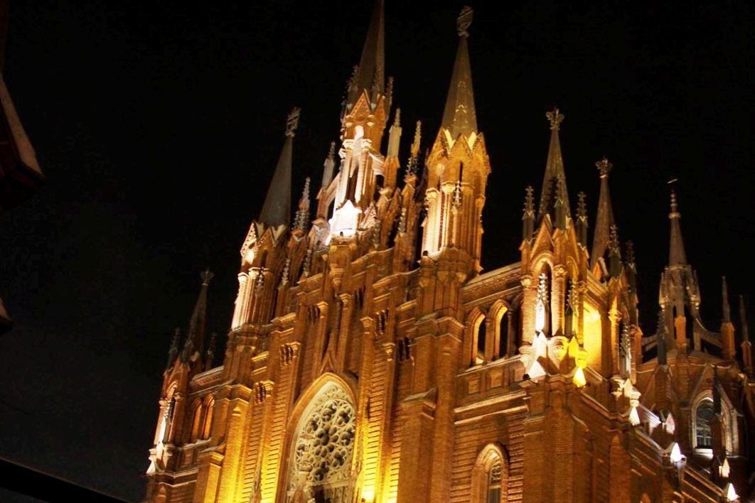 Апостольский нунций в РФ возглавил последнюю Мессу уходящего года в московском Кафедральном соборе