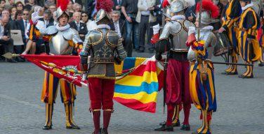 Сегодня – день рождения Папской Швейцарской гвардии (ВИДЕО)