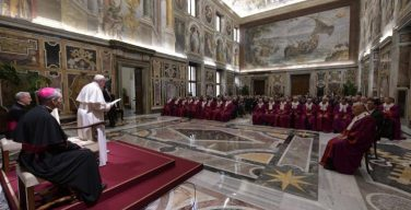 Папа Франциск обратился к Трибуналу Римской Роты
