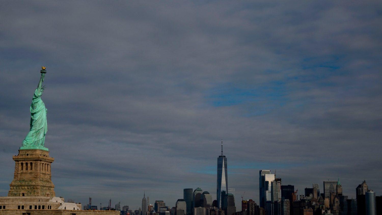 Губернатору Нью-Йорка отказали в Причастии