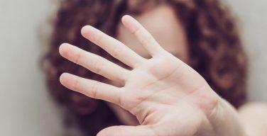 Ирландия криминализирует эмоциональное насилие с помощью нового закона о насилии в семье