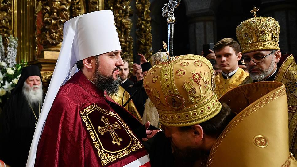 В Киеве прошла интронизация главы Православной Церкви Украины (+ ФОТО)