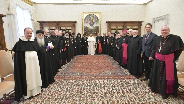 Папа Франциск встретился с православно-католической комиссией