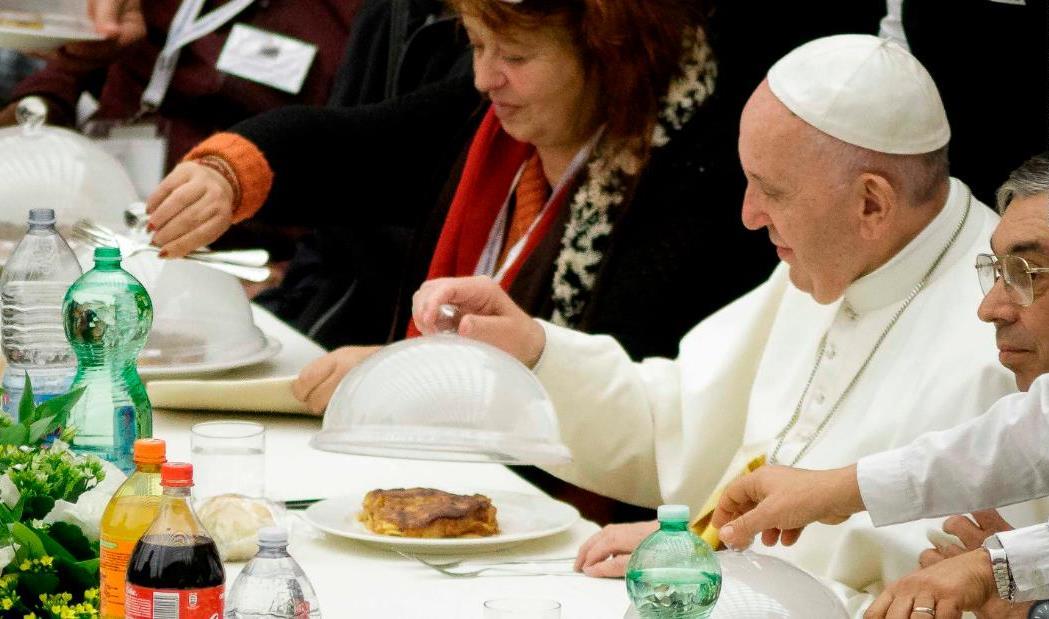 Папе Франциску предложили ввести веганскую диету в Великий пост