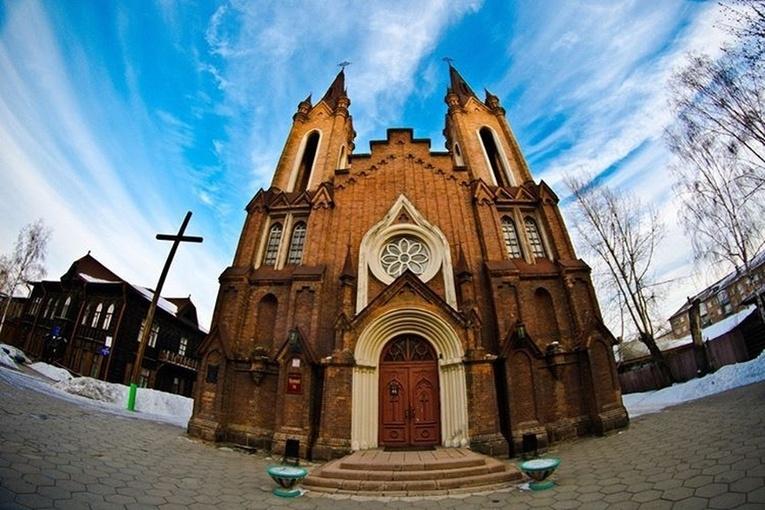 Красноярским католикам снова отказали в передаче костела