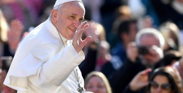 Папа Франциск на общей аудиенции: «Отче наш» — матрица любой христианской молитвы