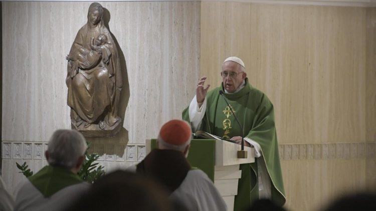 Папа Франциск на Мессе в Доме Св. Марфы: между Великим Потопом и современными войнами много общего