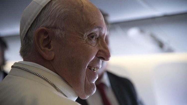 Папа Франциск ответил на вопросы журналистов касательно его визита в ОАЭ