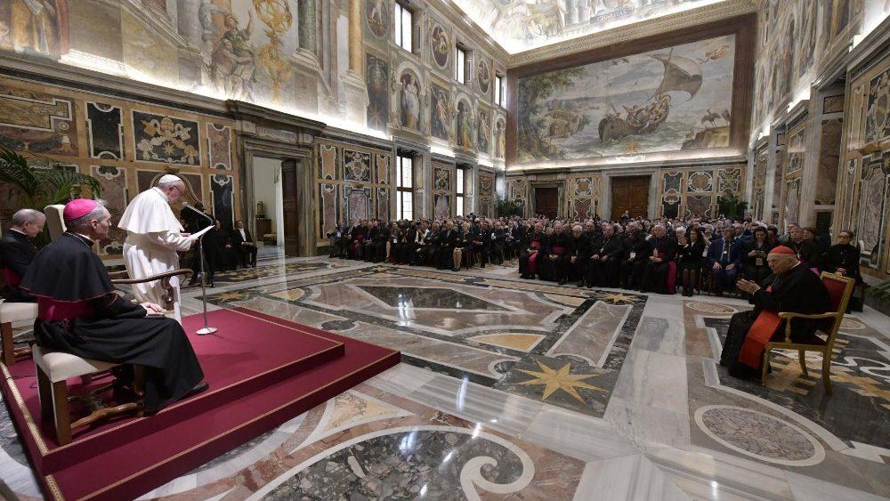 Папа – участникам ассамблеи «Робоэтика. Люди, машины и здоровье»