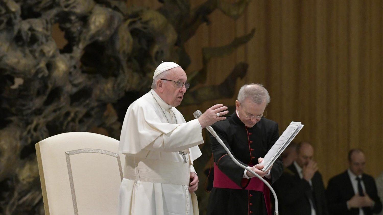 Папа призвал молиться о жертвах кораблекрушения у Багамских островов