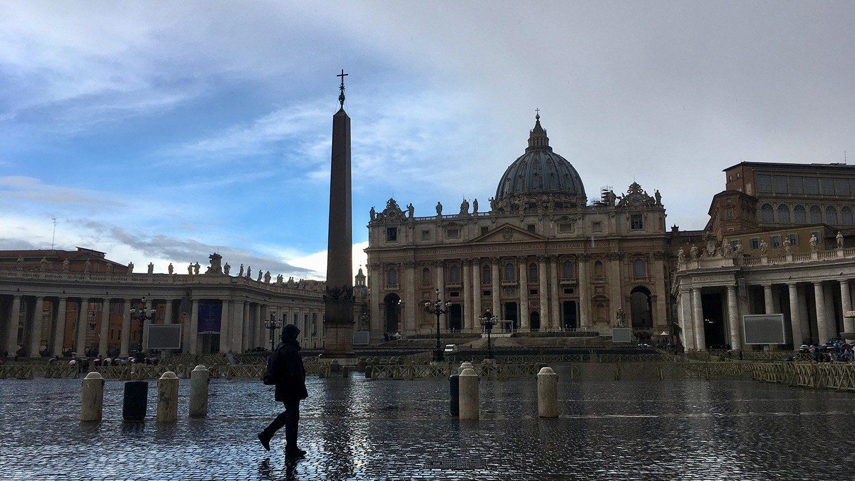 Защита несовершеннолетних: Папа призвал молиться о встрече в Ватикане