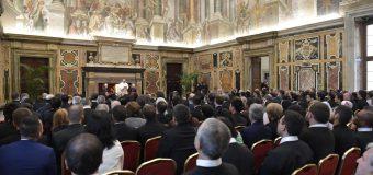 Папа: нравственное богословие должно вслушиваться в конкретную жизнь