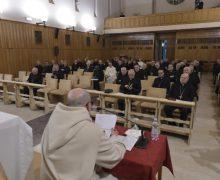 Духовные упражнения для Папы и Римской Курии в разгаре