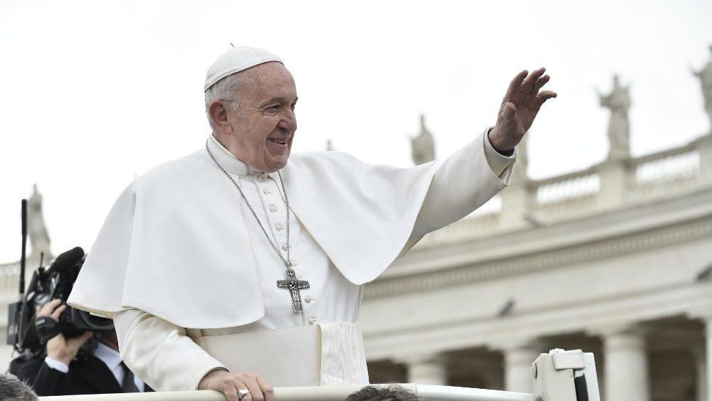 На общей аудиенции 27 марта Папа Франциск прокомментировал прошение о хлебе насущном