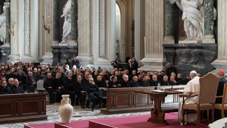 Папа Франциск обратился с наставлением к священникам по случаю начала Великого Поста