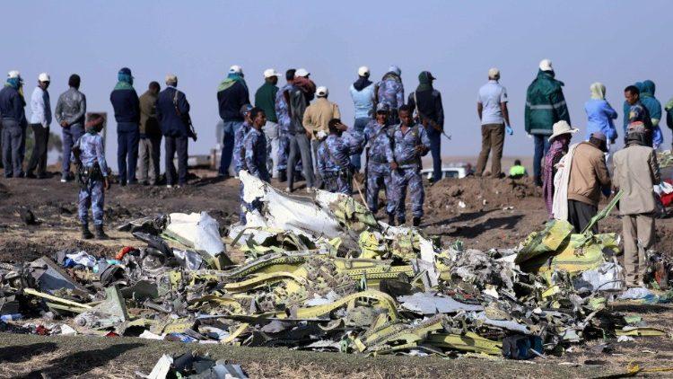 Папа Франциск выразил соболезнование в связи с крушением авиалайнера в Эфиопии