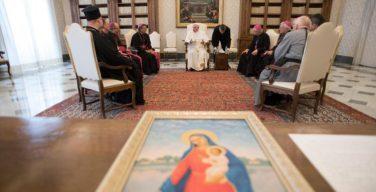Епископы Казахстана подарили Папе икону Богородицы из Озёрного