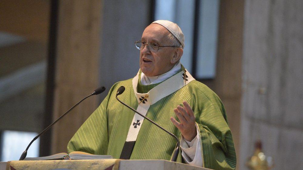 В воскресенье 3 марта Папа Франциск посетил очередной приход в римском пригороде