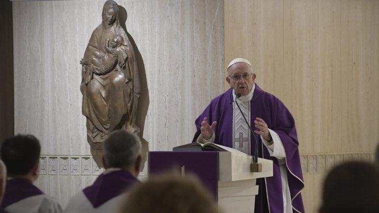 Папа Франциск на Мессе в Доме Св. Марфы: Великий Пост должен стать временем борьбы с лицемерием