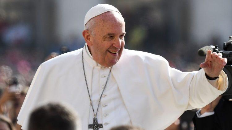 Папа Франциск на общей аудиенции в среду Светлой седмицы: Иисус заменил закон справедливого воздаяния законом любви