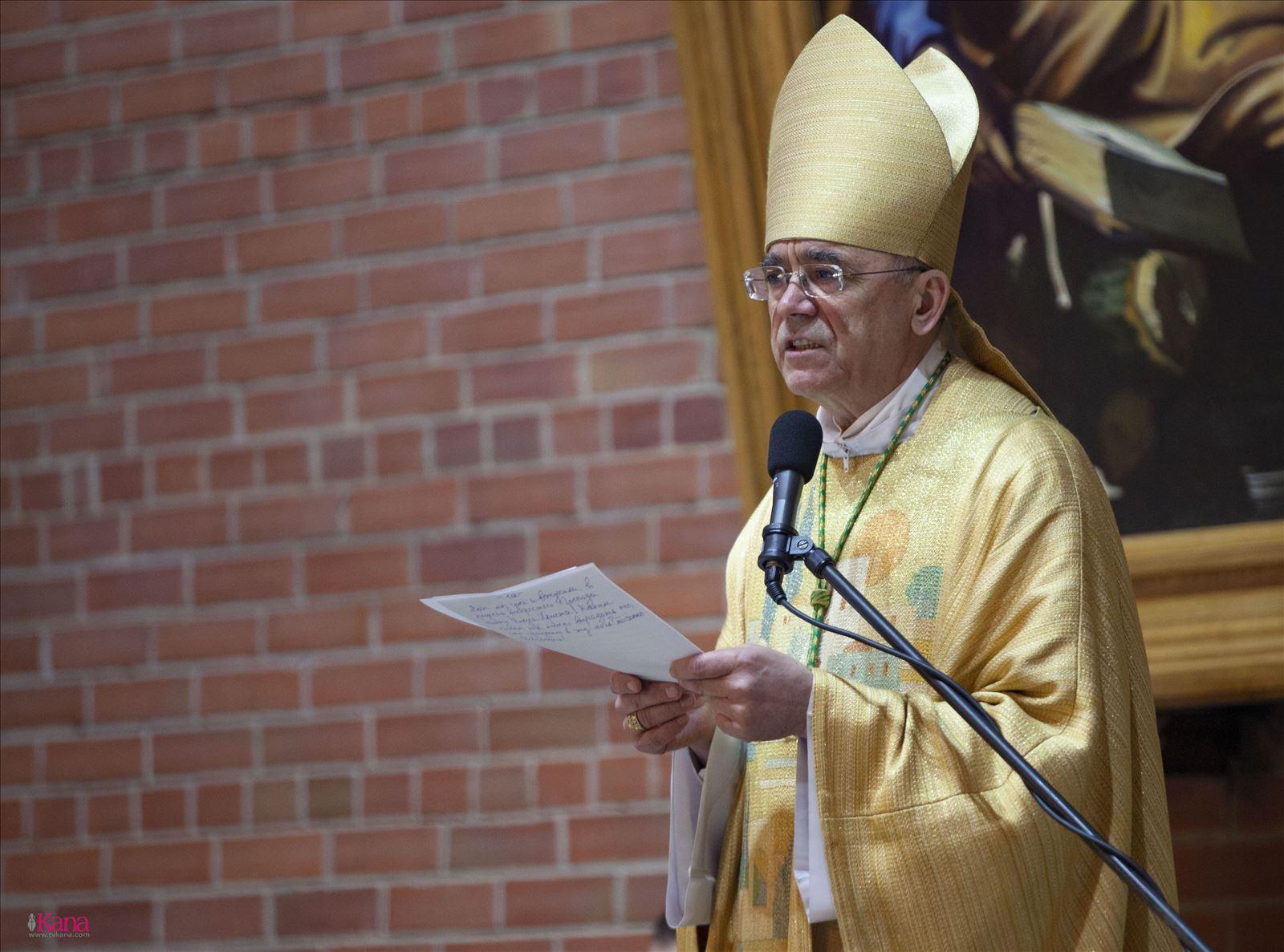 Проповедь Владыки Иосифа Верта на Мессе Святой Пасхальной Ночи. 20 апреля, Кафедральный собор Преображения Господня