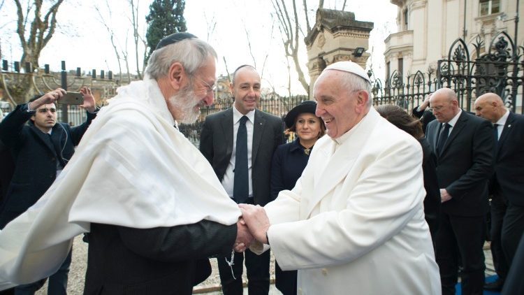 Папа Франциск и Главный Раввин Рима обменялись праздничными поздравлениями