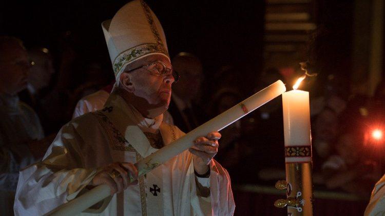 Папа Франциск возглавил Мессу Навечерия Пасхи в Святую Ночь в соборе Святого Петра