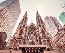 В Кафедральный собор Нью-Йорка вошел вероятный поджигатель