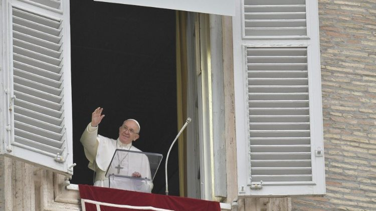 Слово Папы Франциска перед чтением молитвы «Царица Небесная» в «Ангельский понедельник» (понедельник Светлой Седмицы). 22 апреля 2019 г., площадь Святого Петра