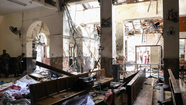 Церковь молится о жертвах терактов в Шри-Ланке
