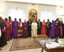 Папа Франциск встретился с политическими лидерами Южного Судана и призвал их к примирению