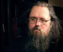 Протодиакон Андрей Кураев: Нигде не прописано, что нужно молиться на огонь