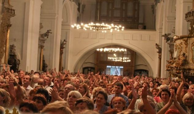 Католики-харизматы – кто они? Об особенностях движения в постсоветской Беларуси рассказала исследовательница из Минска