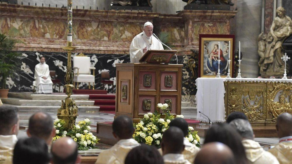 Папа Франциск отслужил Мессу для сотрудников международного Каритас и поставил им в пример раннехристианскую Церковь