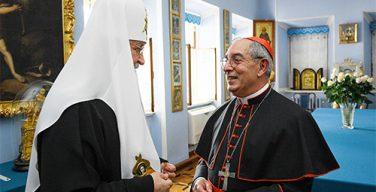 Патриарх Кирилл встретился с паломниками из Римской епархии во главе с кардиналом Де Донатисом