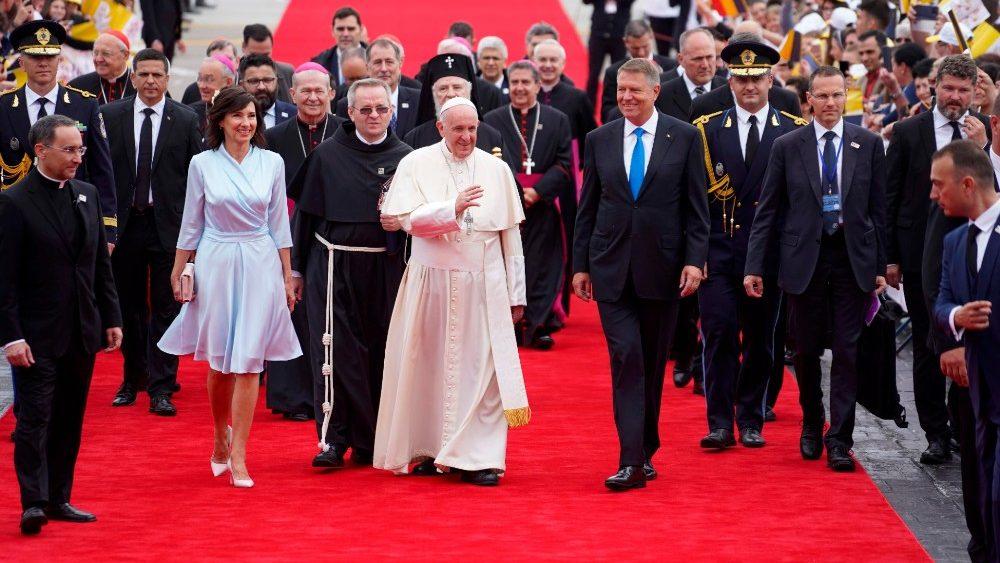 Начался апостольский визит Папы Франциска в Румынию