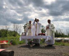 Томские католики заложили краеугольный камень в основание часовни в Белостоке