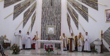 В Торжество Пресвятых Тела и Крови Христа Владыка Иосиф Верт посетил приходы Кемерова и Юрги (+ФОТО)
