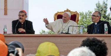 Папа Франциск на симпозиуме в Неаполе: богословие должно «достичь окраин»