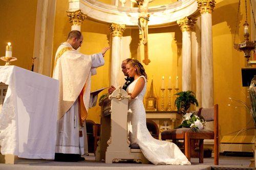 Католическая Церковь Литвы отказывает в венчании парам, заключившим брачный договор