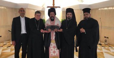 Папа Франциск передал Патриарху Варфоломею частицу мощей Святого Петра